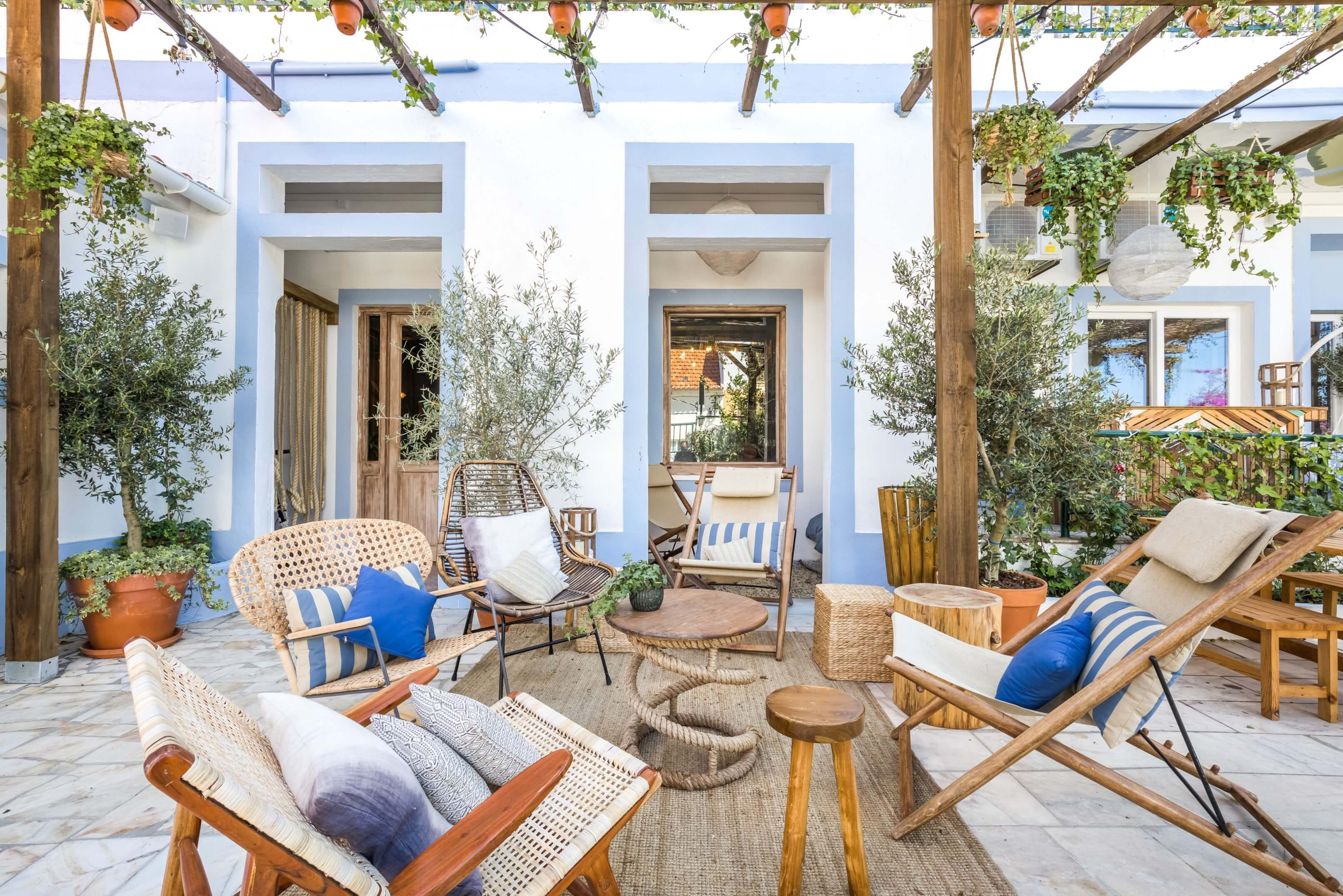 Stylish Vibrant Villa w/ Terrace+ Oceanviews