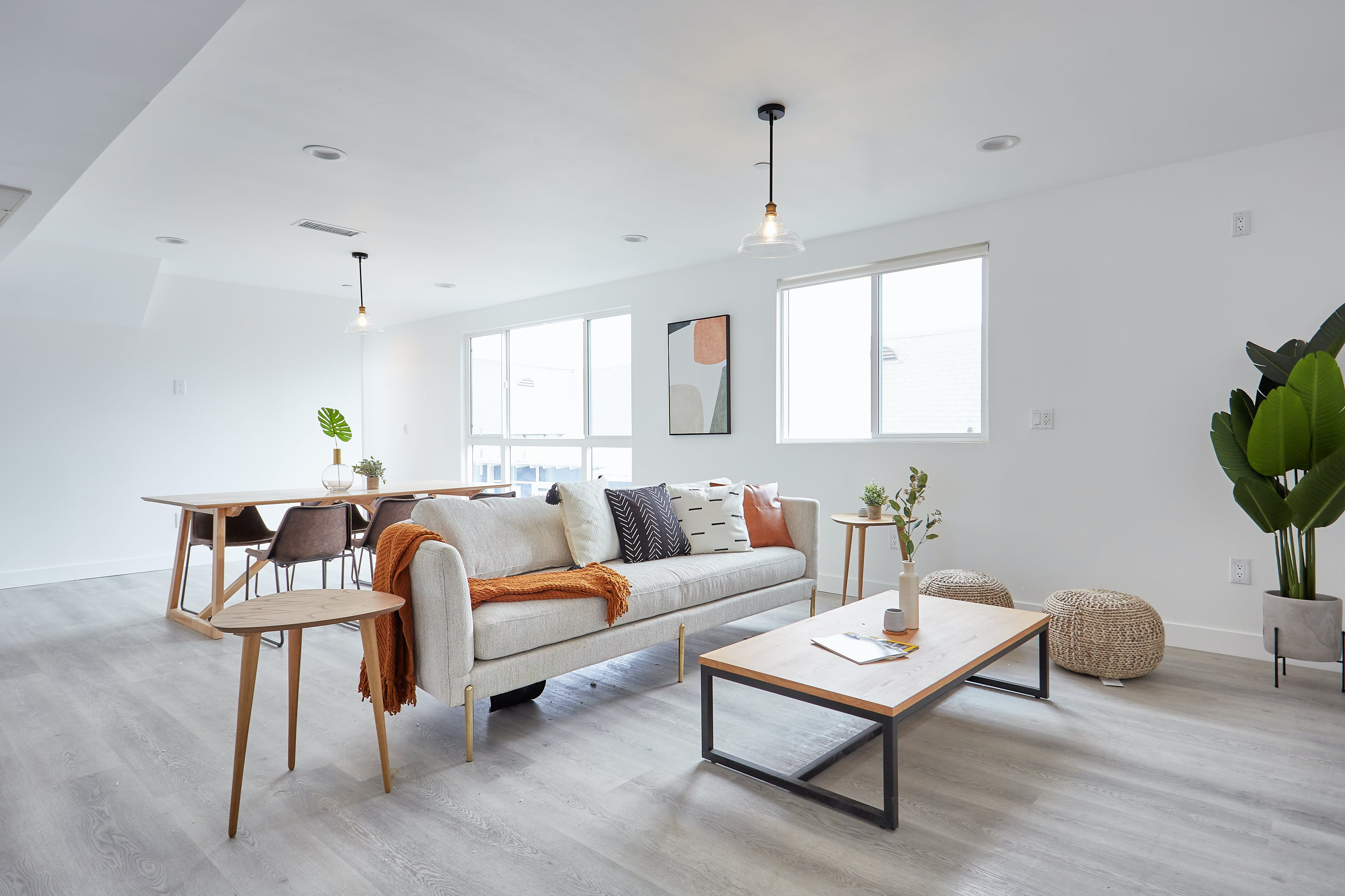 14 Residents | South Los Angeles | Brand New House w/ Workspace