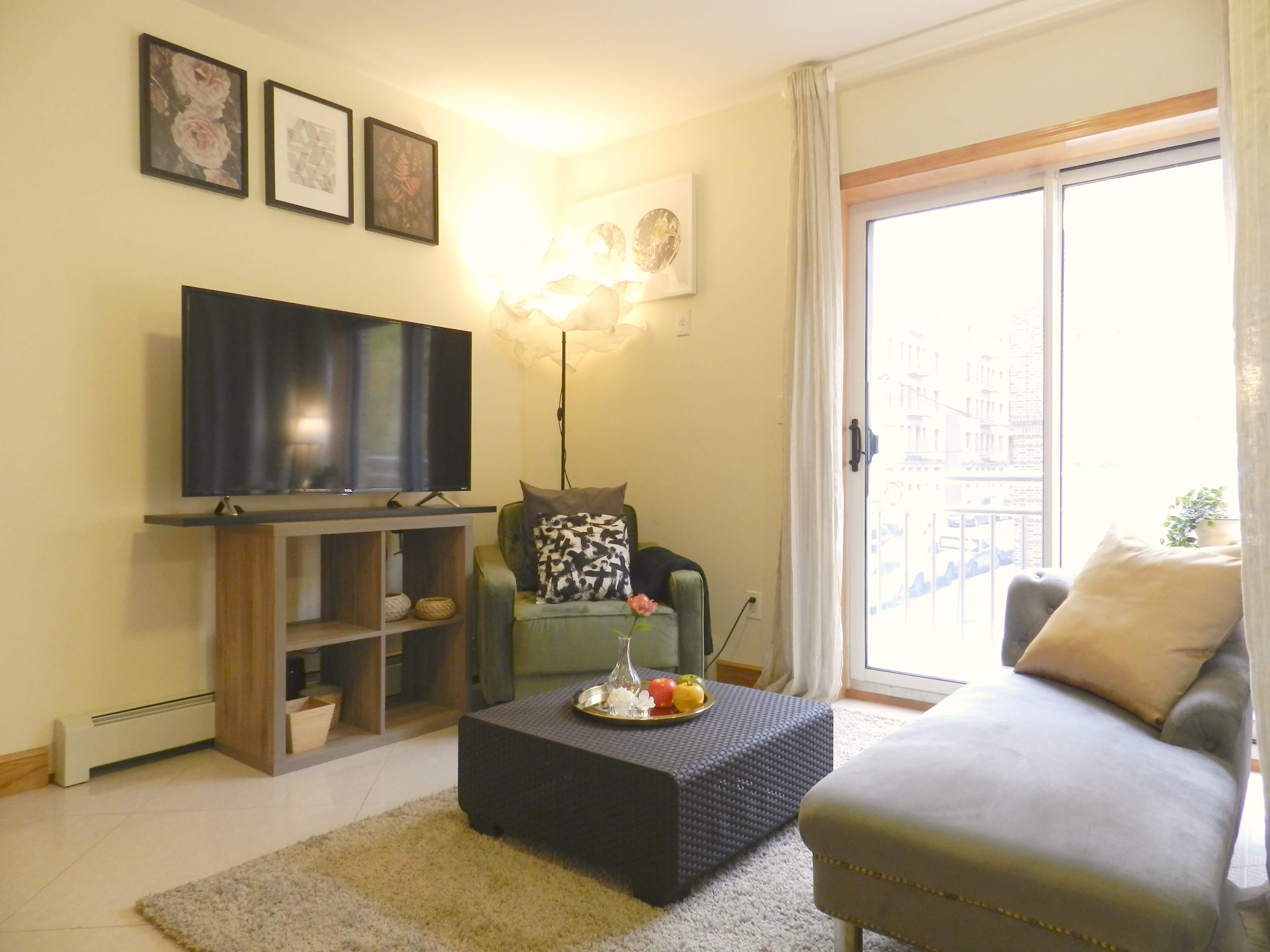 Newly Renovated Townhouse - Incl. Workspace
