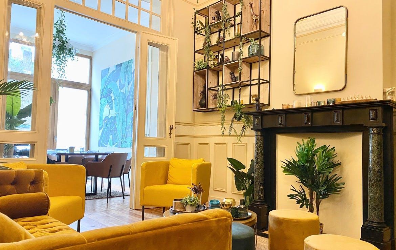 8 Residents | Quartier des Squares | Warm & Comfortable House w/ Backyard Deck