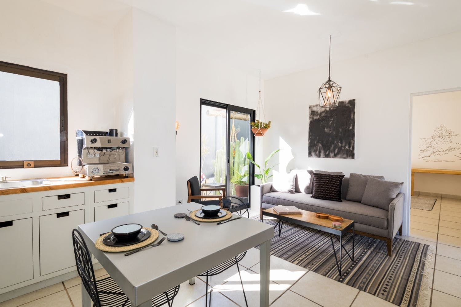 Sunny Chic House w/ Coworking Café + Outdoor Space