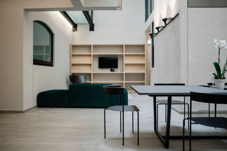 24 Residents   Colonia Nápoles   Renovated Revival Mansion w/ Top Terrace