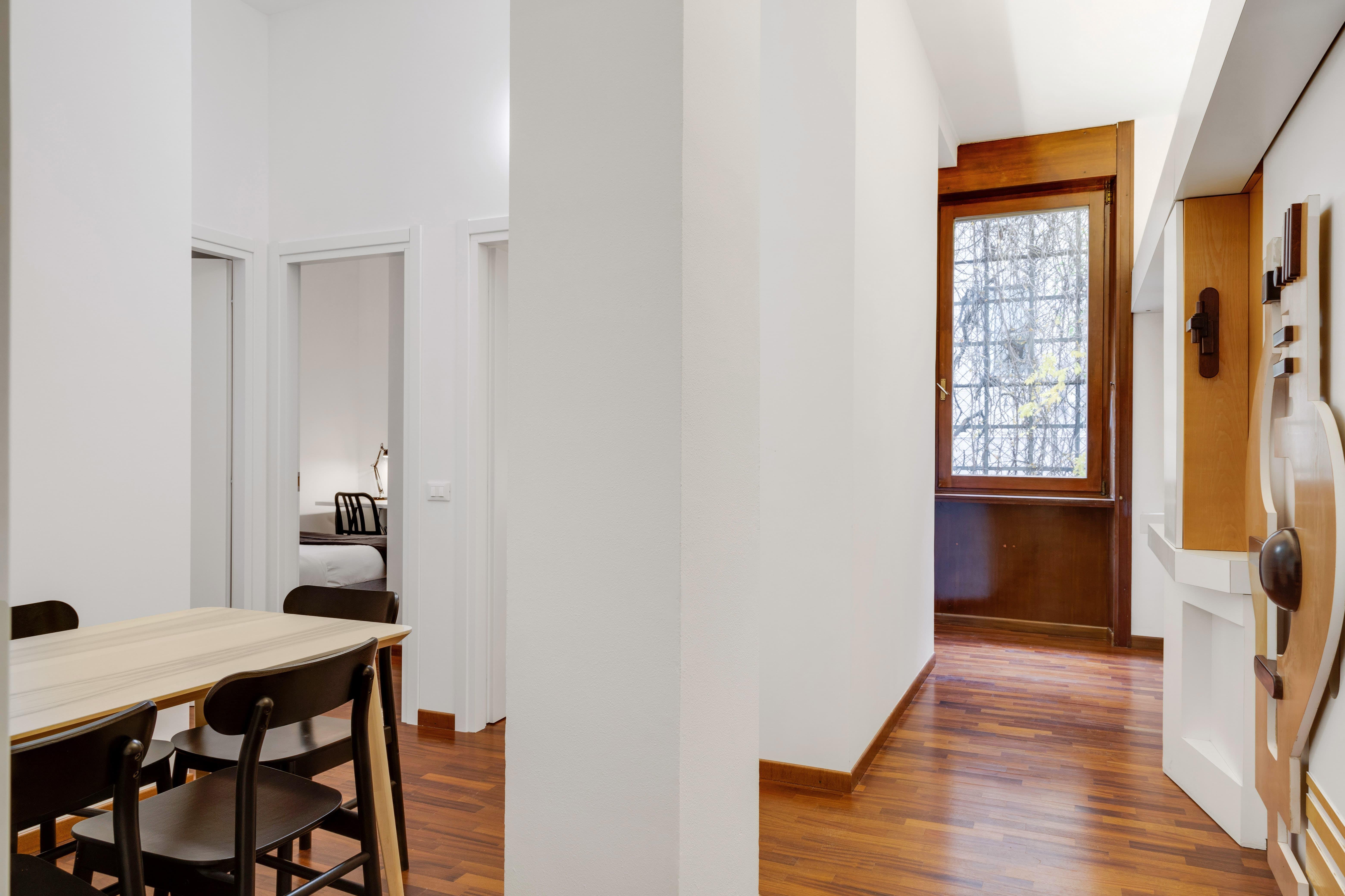 8 Residents | Borgonuovo - Montenapoleone | Newly Refurbished Apt. w/ Terrace