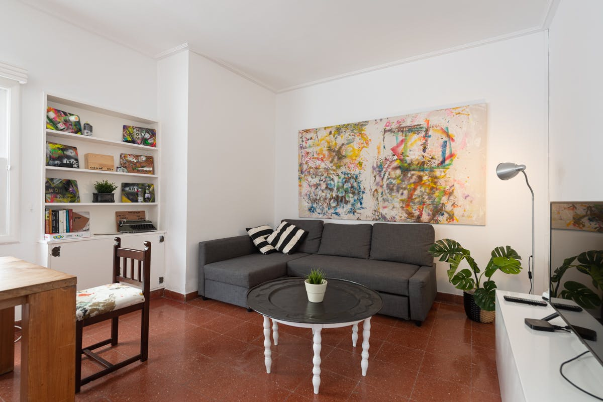 8 Residents | Ciudad Jardín | Relaxed & Spacious House w/ Coworking + Outdoor Area