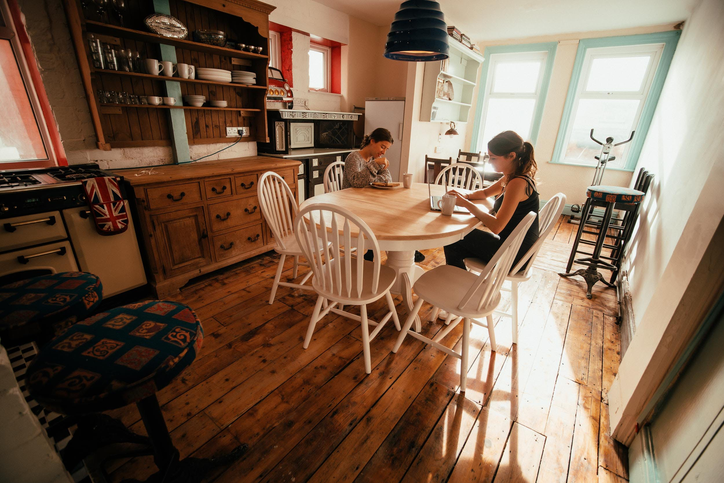 19 Residents | Blackpool | Victorian Renovated House w/ Coworking + BBQ
