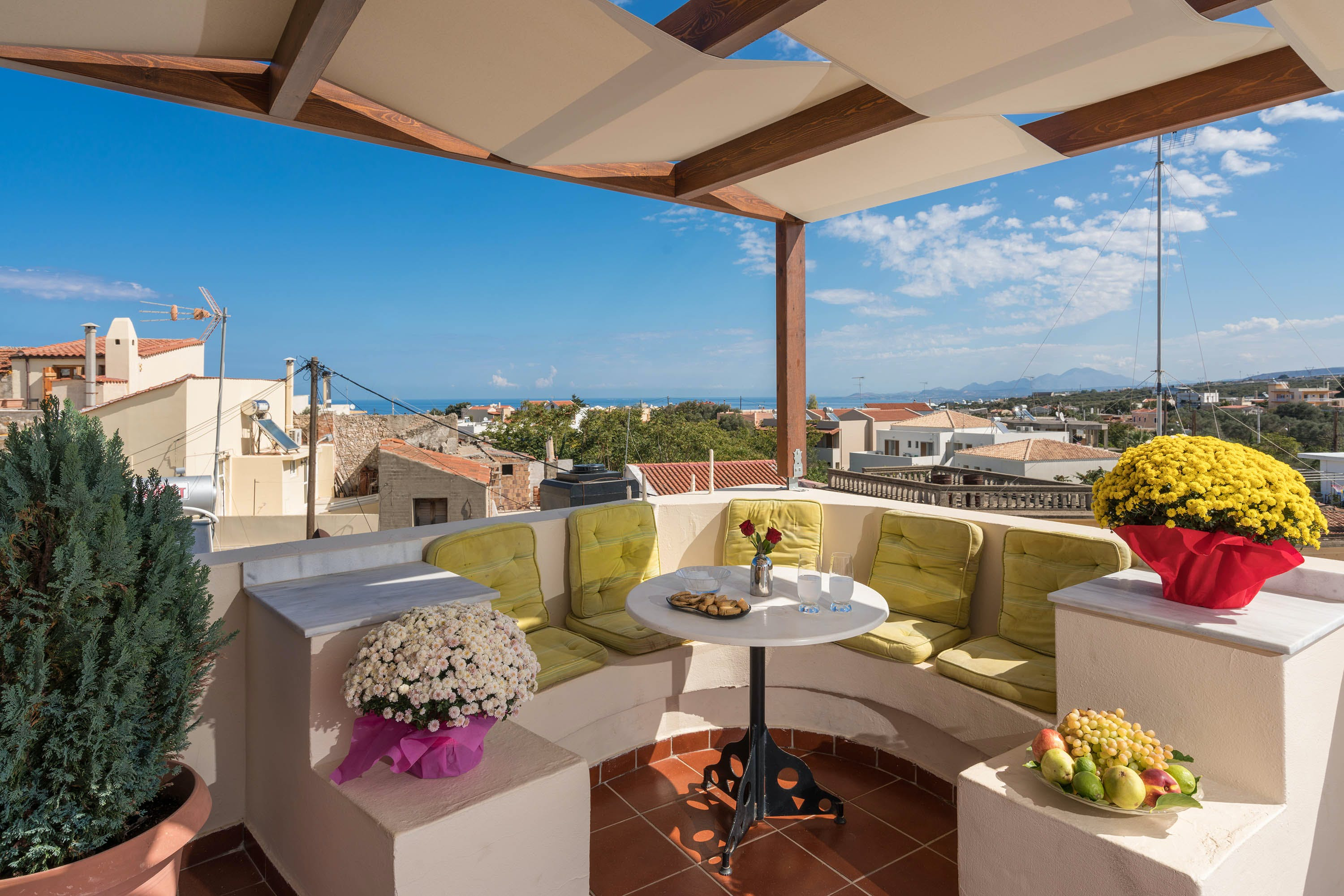 Stunning Large Villa w/ Coworking + Rooftop Deck