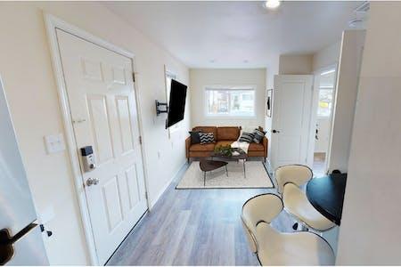 Stunning Bright Duplex w/ Terrace