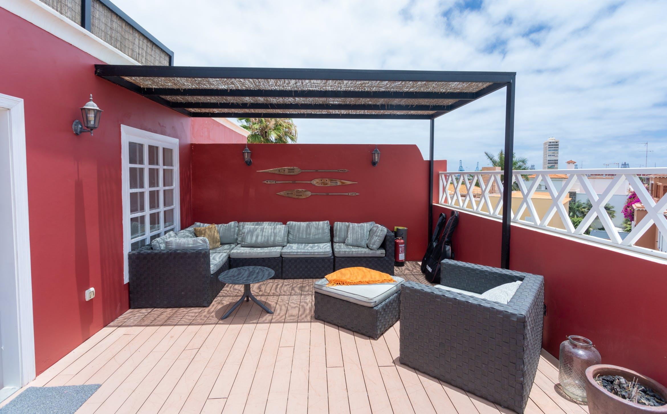 10 Residents | Ciudad Jardín |  20th Century Bright Renovated Complex w/ Workspace + Terrace