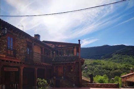 Outstanding Rural House w/ Terrace + Coworking + Restaurant