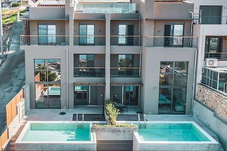Luxury Villa Overlooking the Sea w/ Coworking + Rooftop