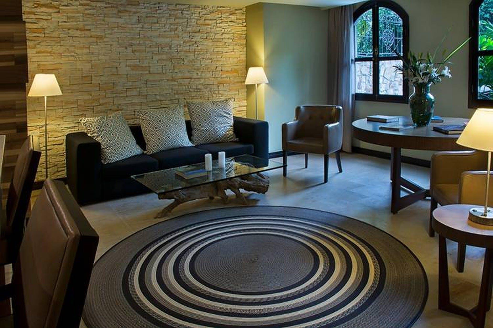 100 Residents   Barrio Granada   Classic Stylish Complex w/ Coworking + Sauna +  Lounge Areas
