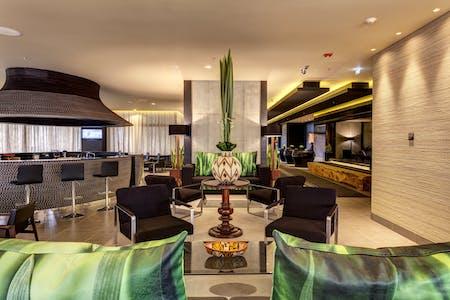 200 Residents | El Dorado | Modern Luxury Complex w/ Coworking + Garden + Jacuzzi