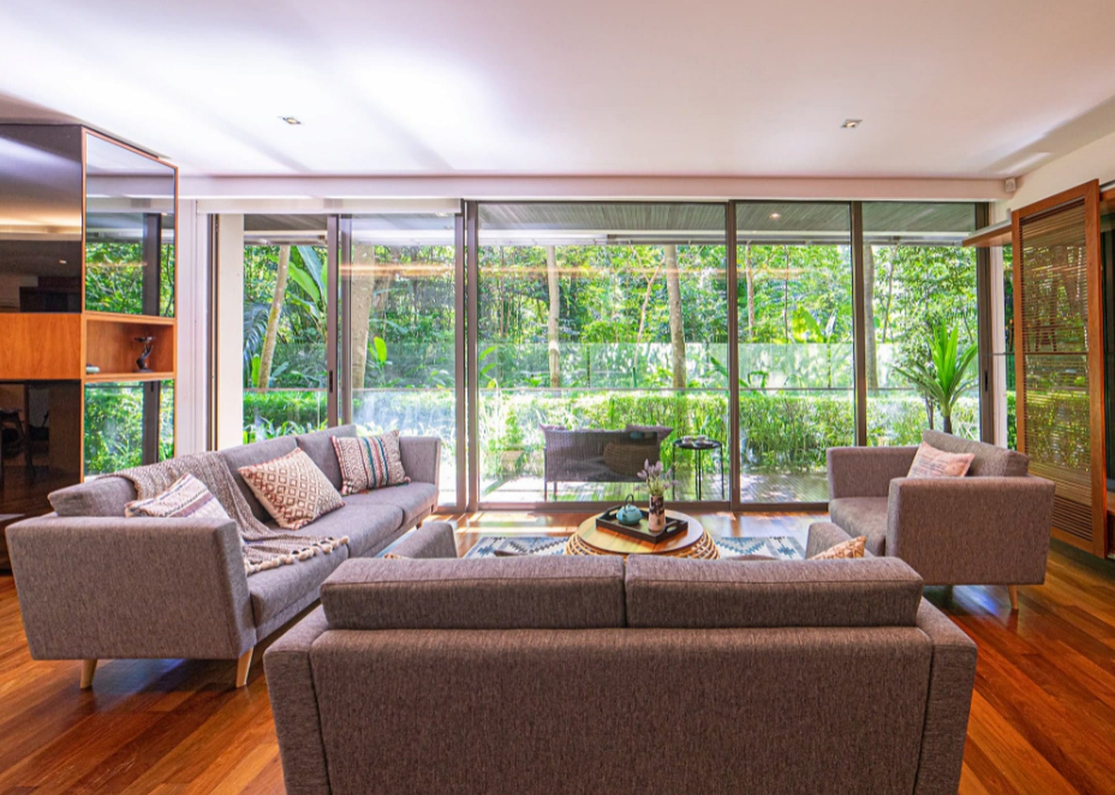 8 Residents | Tanglin | Stunning Luxury Building w/ Terrace + Pool + Gym