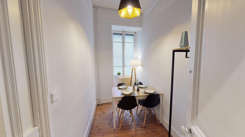 6 Residents | Capitole | Stylish Renovated Apt. w/ Terrace