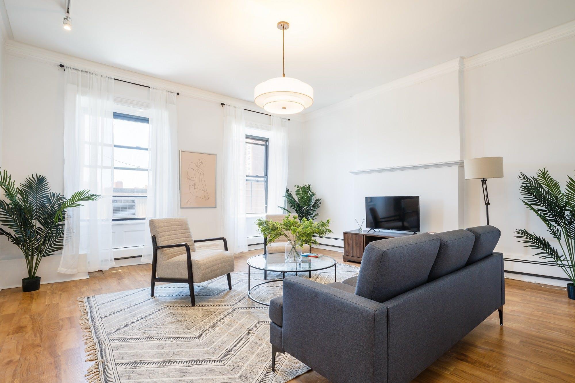 8 Residents   135th St. - Central Harlem   Minimalist Styled Apt.