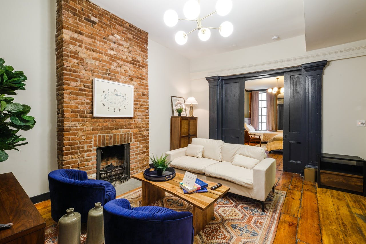 8 Residents | W 11th St. - West Village | Bright Lovely Apt.