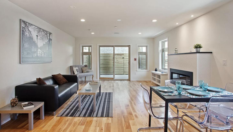 4 Residents | Hawtorne | Spacious Vibrant House w/ Backyard