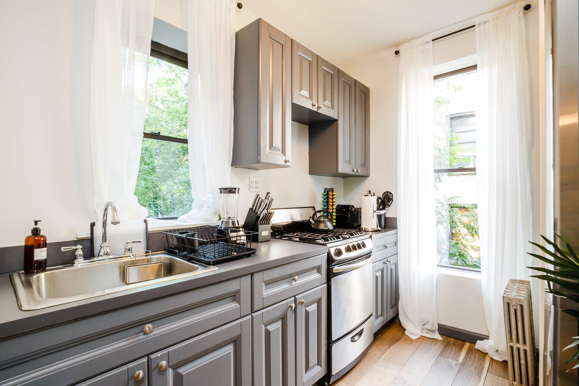 6 Residents | W 48th St. - Hell's Kitchen | Elegant Cozy Apt.