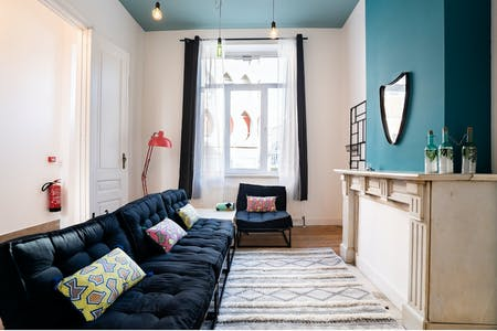 7 Residents | Quartier Européen | Luxury Charming House w/ Backyard