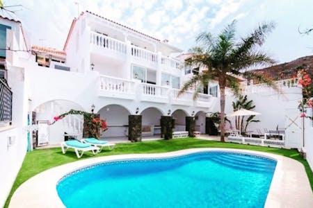 Outstanding Comfortable Villa w/ Terrace + Pool