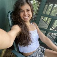 Lívia C - Coliving Profile