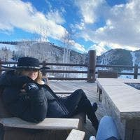 Courtney S - Coliving Profile